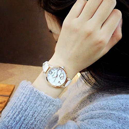 Heart-Shaped Diamond Bracelet Bangle Creative Fashion Quartz Watch Women Girls Students Watch White Collar (Vaginal Discharge