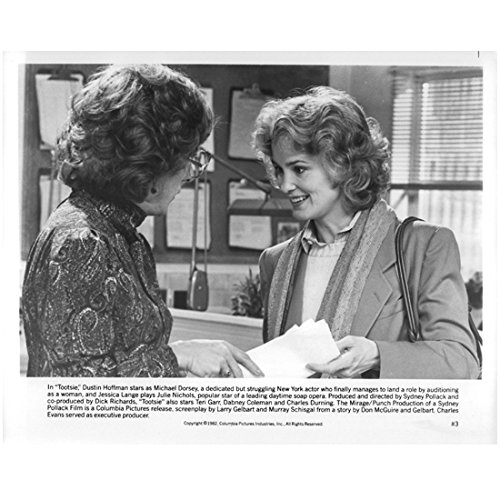 Tootsie Dustin Hoffman Dressed in Drag Talking to a Beautiful Jessica Lange8 x 10 Inch - Lange Jessica Measurements