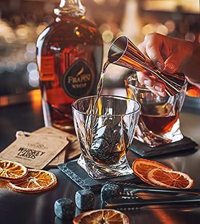 Whisky Piedras Set de Regalo y 2 Vasos de Whisky - Sea Diferente a la Hora de Elegir un Regalo - Reutilizables Cubitos de Hielo - 8 Whisky Rocks de Granito - Amerigo Whiskey Stones Gift Set