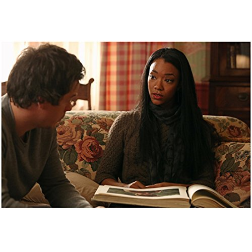 Sonequa Martin-Green as Tamara and Michael Raymond-Jones as Neal Cassidy in Once Upon A Time Sitting 8 x 10 Inch Photo