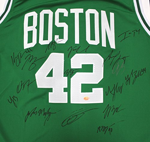 - Boston Celtics 2016-17 Team Autographed Signed Green Jersey Thomas Horford Stevens