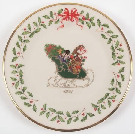 Lenox China Holiday Annual Christmas Plate No Box, Collectible - 74026 (1991 Christmas Plate)