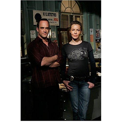 Law & Order: Special Victims Unit 8x10 Photo Connie Nielsen & Christopher Meloni at Police Station kn
