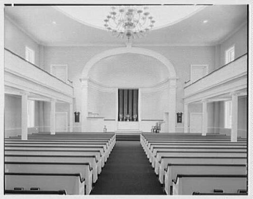 Photo: Hill's Chapel,Smith College,Northampton,Massachusetts. Axis view to chancel - Smith Axis