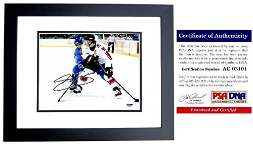 Autographed Joe Sakic Photograph - TEAM CANADA 8x10 inch BLACK CUSTOM FRAME Certificate of Authenticity COA) - PSA/DNA - Custom Frames Canada