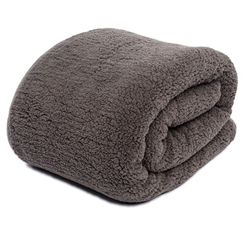 Exceptionnel Cuddly Cabin Sherpa Cozy Throw Blanket , Reversible, Oversized 60in. X  72in. (