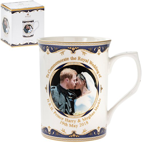 Royal Wedding of Prince Harry and Meghan Markle (The Duke and Duchess of Sussex) Commemorative Kiss Gift Mug by Maturi