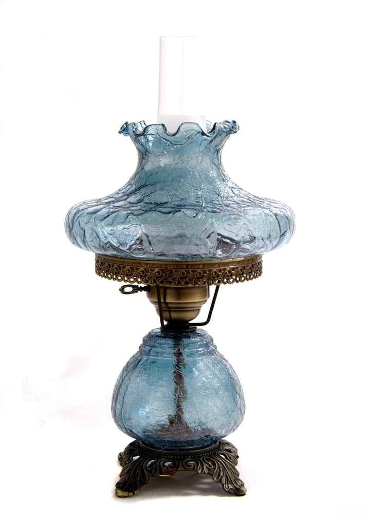 19 in. Crackle Hurricane Table Lamp w 10 in. Tamoshanta Shade