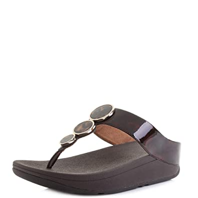 103eae9c9d39 FitFlop Women s Halo Toe Post - Tortoiseshell Open Sandals  Amazon ...