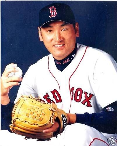 JIM HO CHO BOSTON RED SOX UNSIGNED 8X10 - Jim Ho