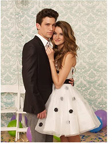The Secret Life Of An American Teenager Daren Kagasoff As Ricky With Shailene Woodley As Amy At School Dance 8 X 10 Inch Photo At Amazon S Entertainment Collectibles Store You can also download full movies from zoechip and watch it later if you want. american teenager daren kagasoff