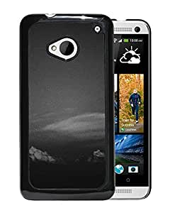 New Custom Designed Cover Case For HTC ONE M7 With Mg Cloud Dark Clear Vintage Sky Nature Phone Case