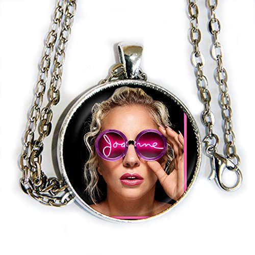 Lady Gaga Just Dance Costumes (Lady Gaga Joanne - pendant necklace - HM)
