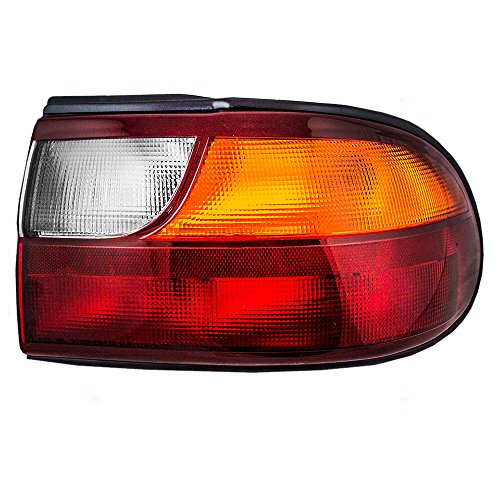 Chevrolet Malibu Tail - Passengers Taillight Tail Lamp with Circuit Board Replacement for Chevrolet 15894726 AutoAndArt