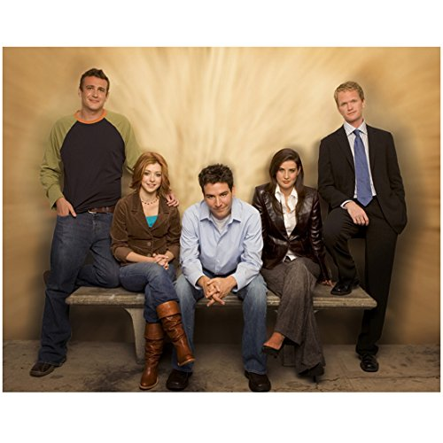 Alyson Hannigan 8x10 Photo How I Met Your Mother American Pie Buffy the Vampire Slayer w/Cast of How I Met Your Mother on Bench kn