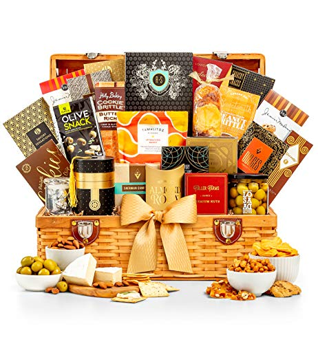 GiftTree Grand Indulgence Gourmet Gift Basket | Savory Favorites and Sweet Indulgences | Perfect Gift For The Foodie In All Of Us