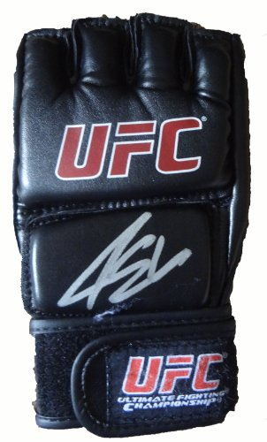 Ellenberger Signed UFC Training Fight Glove W/PROOF, Picture of Jake Signing For Us, Ultimate Fighting Championship, Sherdog, Mixed Martial Arts, United States Marine, Mark Munoz ()