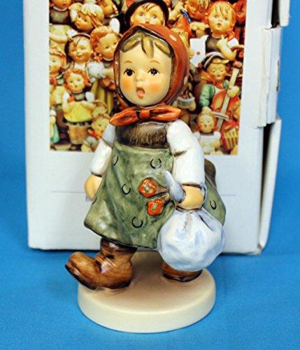 Hummel Girl (Hummel Goebel 561 - grandma's girl)