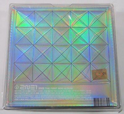 CD 1st Mini Album 2NE1-2NE1 Extra regalo foto libretto fotografico