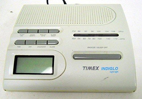 Timex T422B AM/FM Alarm Clock w/ Indiglo Night ()
