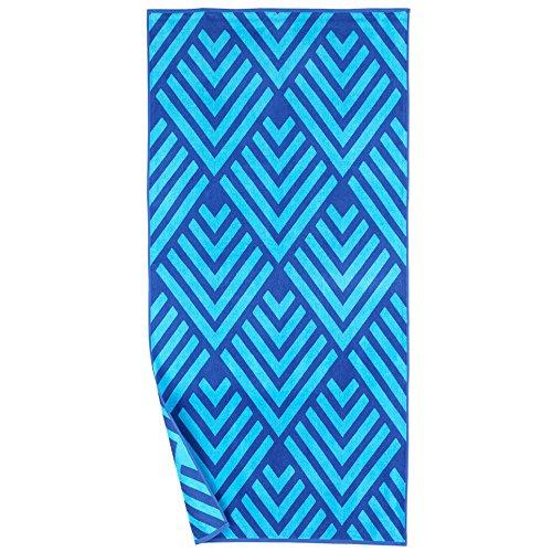 Reversible Beach Towel - Oversized Reversible Beach Towel - Blue Diamond Pattern