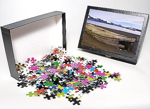 Photo Jigsaw Puzzle of Old wooden whaling boat on beach at Whaler s Bay, Deception Island