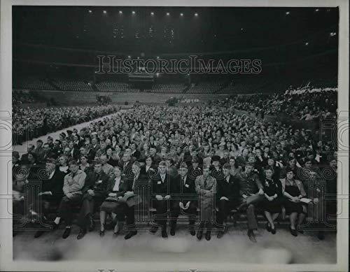 Historic Images - 1945 Vintage Press Photo Chicago Stadium 46th National Encampment Veterans Foreign Wars