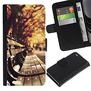 For Apple iPhone 4 / iPhone 4S,S-type® Autumn Nature City Trees Leaves Bench - Dibujo PU billetera de cuero Funda Case Caso de la piel de la bolsa protectora