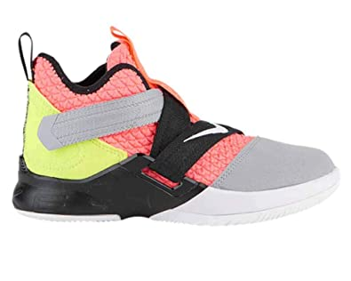 innovative design f3fc1 afdc2 Amazon.com | Nike Lebron Soldier XII SFG (ps) Little Kids ...