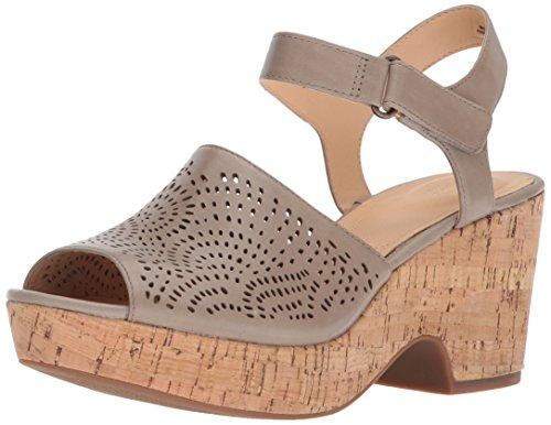 CLARKS Women's Maritsa Nila Platform, Sand Leather, 8 Medium