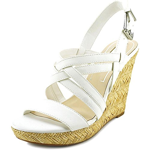 Jessica Simpson Women's Julita Powder Yakima Sandal 6.5 M