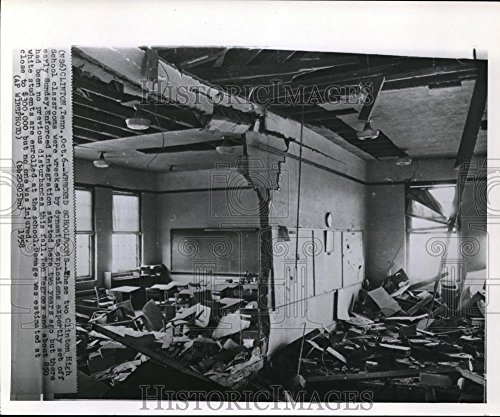 1958 Wire Photo The Clinton High School Classroom Wrecked Dynamite Explosion - - Historic Images