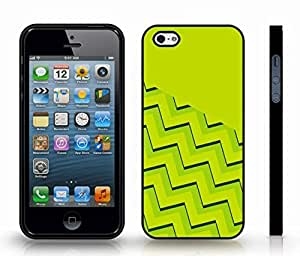 iStar Cases? iPhone 4 Case with Chevron Pattern Lime Base and Stripe , Snap-on Cover, Hard Carrying Case (Black)