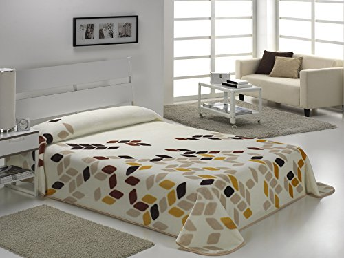 European - Made in Spain warm blanket Novalinea 220x240 Beige Color 1 PLY by MORA Blankets