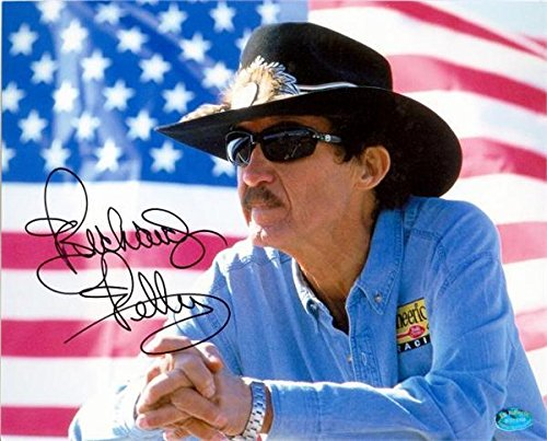 (Richard Petty Autographed Photo - 8x10 Racing Legend Image #10 - Autographed NASCAR Photos)