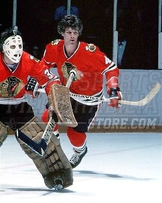 Bobby Orr Chicago Blackhawks skating Esposito color 8x10 11x14 16x20 photo 159 - Size 8x10 ()