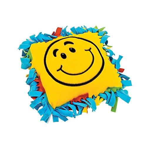 Fleece Smile Face Tied Pillow Craft Kit ()