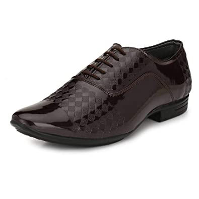 15421b9894d4 CHUKA Brown Synthetic Leather Lace up Formal Shoes  Buy Online at Low Prices  in India - Amazon.in
