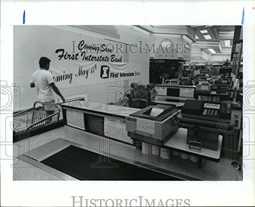Vintage Photos 1990 Press Photo First Interstate Bank Branch  Randalls Supermarket  Houston