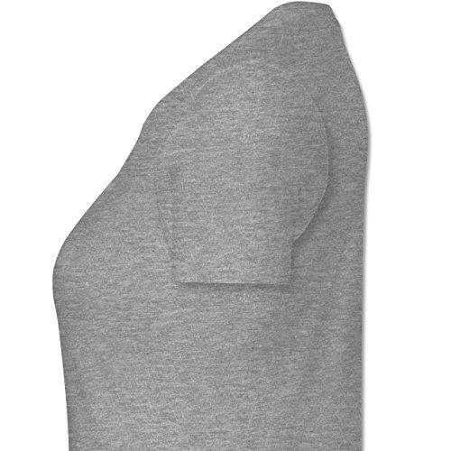 Urlaub - Ich brauche keine Therapie ich muss nur nach Malle - M - Grau meliert - L191 - tailliertes Premium T-Shirt mit Rundhalsausschnitt für Damen