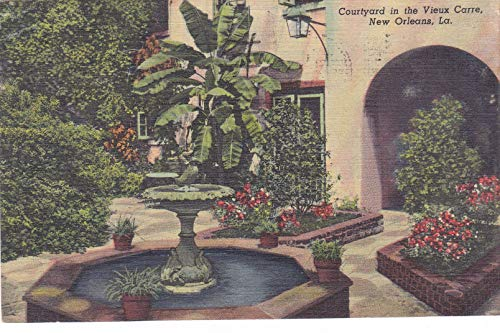 - 351VINT03 A 1949 Courtyard in the Vieux Carre, New Orleans, La., found in the celebrated French Quarters in 1949 VINTAGE COLLECTIBLE ANTIQUE POSTCARD .. .. from HIBISCUS EXPRESS -THIS POSTCARD IS 5 1/2