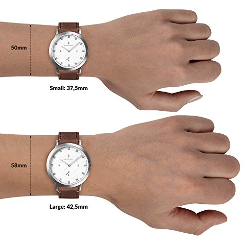 Lilienthal Berlin klocka – tillverkad i Tyskland – designad i Berlin. Modell L1 med fodral i rostfritt stål (fodral: Silver/urtavla: Vit/armband: Brun, storlek: 37,5 mm)