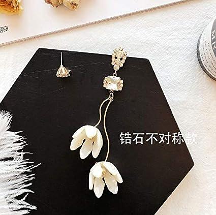 Pendientes de aleación de moda Elegante 3D Flores blancas Pendientes de gota de cristal Asimétrico Exagerado Acrílico Popular Moderno Grandes pendientes largos