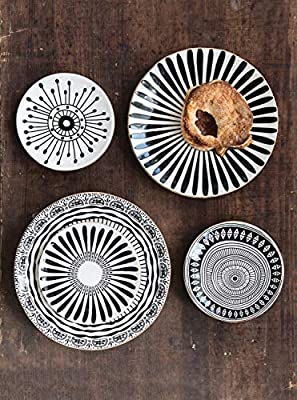 Bloomingville Creative Co-Op Round Embossed Metal Bowl with Antique Gold Finish 24-Serving Pieces