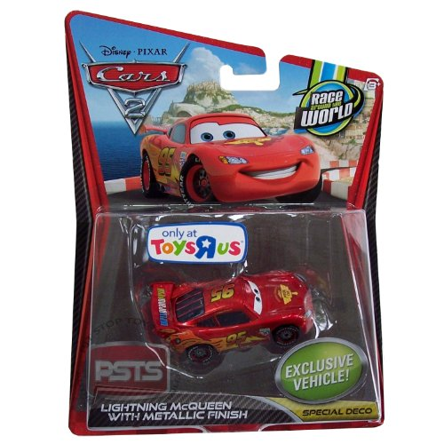 Disney / Pixar CARS 2 Movie Exclusive 155 Die Cast Car Lightning McQueen with Metallic Finish ()