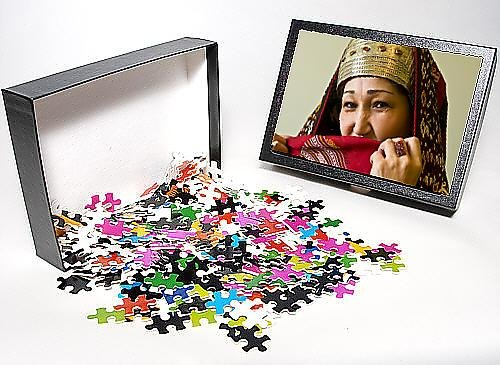 Photo Jigsaw Puzzle of Traditionally dressed Turkmen woman, Ashgabad, Turkmenistan, Central Asia