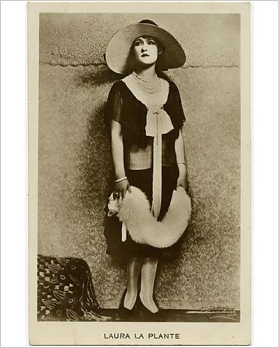 10x8 Print of Laura La Plante - American actress of the silent film era (Silent Film Era Costume)