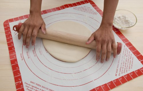 Pizzacraft PC0412 Wood Rolling Pin with Silicone Dough Rings