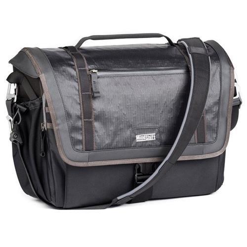Exposure 15 Shoulder Bag (Black)   B07BVVN3XY