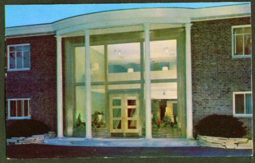 Shaker House Motor Hotel Cleveland postcard